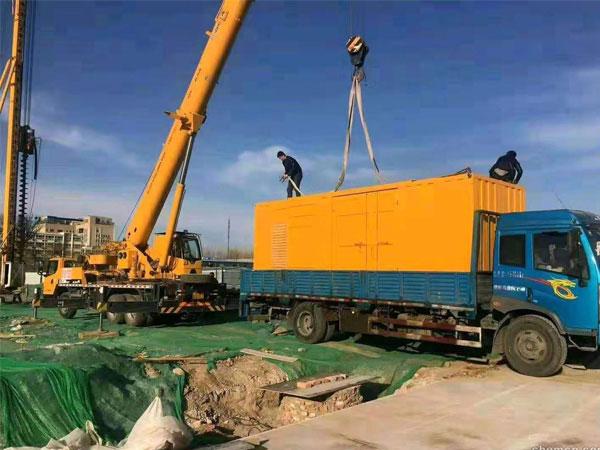 安庆万科工程建设租赁一台大型静音发电机组